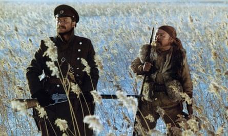 Yuri Solomin and Maksim Munzuk (right) in Akira Kurosawa's 1975 film Dersu Uzala.