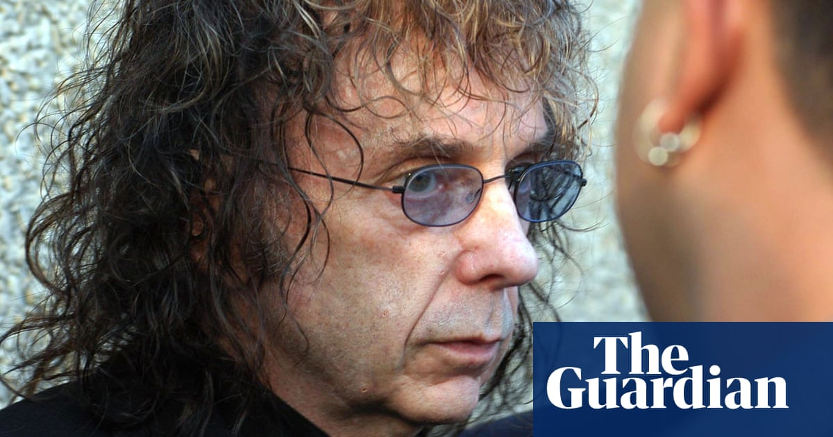 Phil Spector, pop producer convicted of murder, dies aged 81