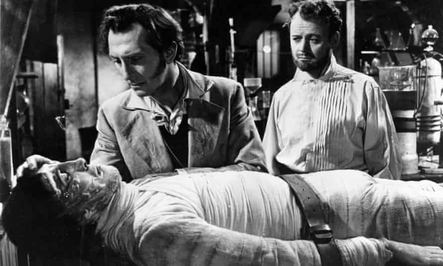 Dr Frankenstein and his creation in The Curse of Frankenstein.