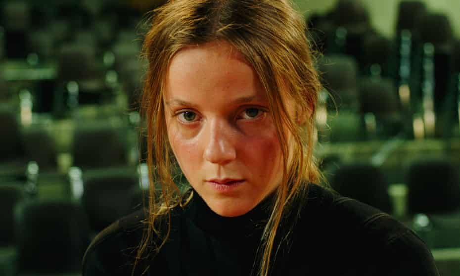 Sarah Plays A Werewolf (Sarah joue un loup-garou), 2017. Film stills, Loane Balthasar