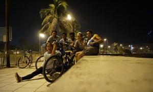 Rest stop at Marin Drive. Midnight Bicycle Tour, Mumbai.