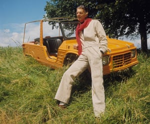 Givenchy by a Citroen in a field