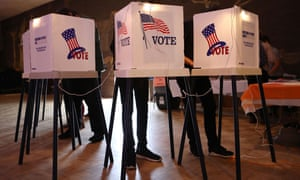 California could play a determining role in upsetting Republican control the US Congress, as Democrats hope to win 10 of the 14 seats held by Republicans.