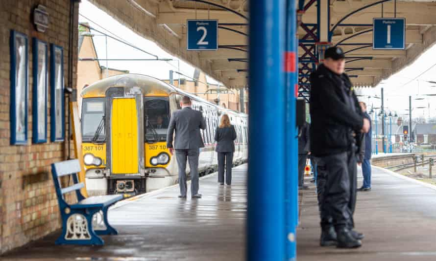 The Queen's train arrives at King's Lynn station