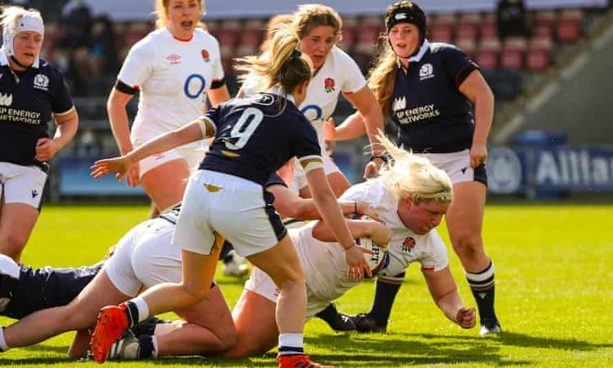 Bryony Cleall scores a try for England