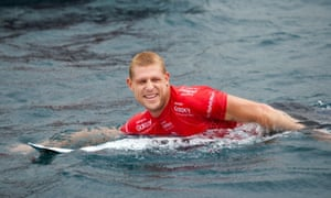 Mick Fanning survived round three at the Rip Curl Pro at Bells beach on a morning that saw Kelly Slater and Joel Parkinson eliminated.