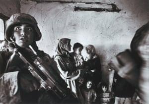 Baghdad, Iraq, November 2004. US Marines raid the house of an Iraqi delegate in the Abu Ghraib district.