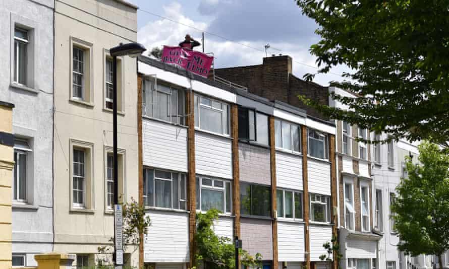 Men on Corbyn's roof