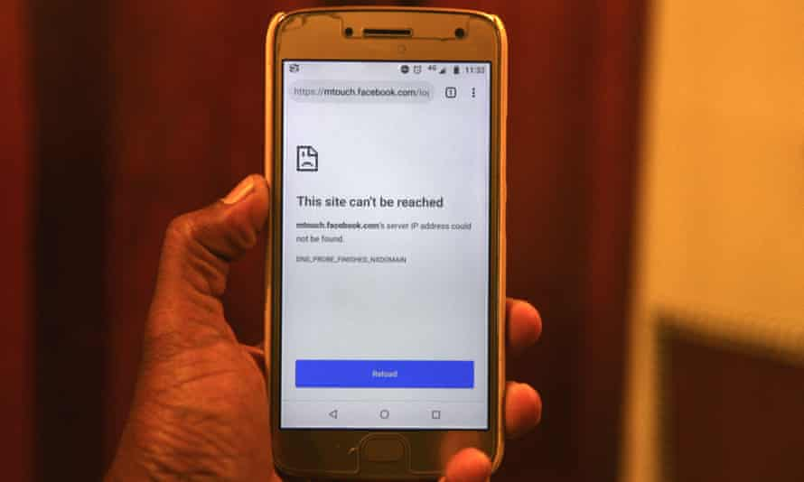 A mobile browser unable to connect to Facebook after Sri Lanka's government shut down the platform in response to unrest following the Easter Sunday attacks