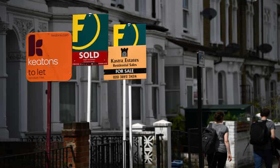 Estate agent and rental boards in London