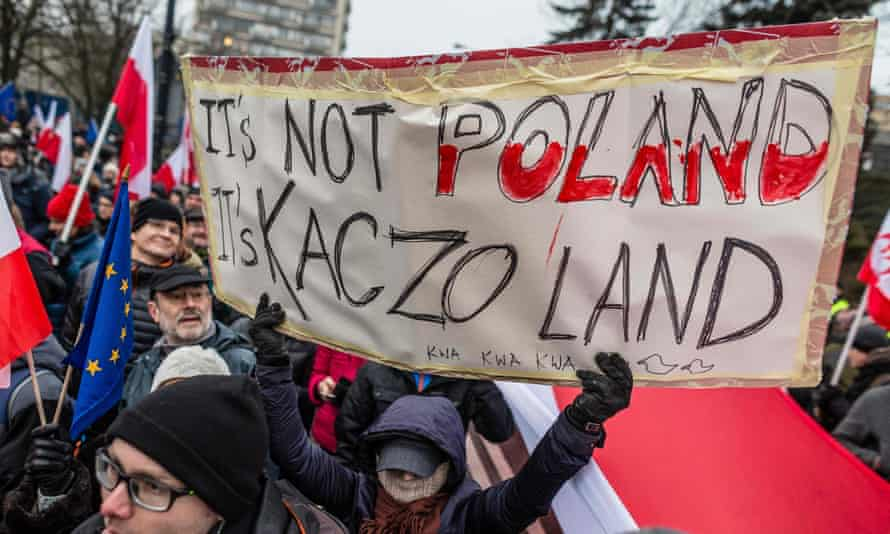 Protesters against Jarosław Kaczyński and his Law and Justice (PiS) party
