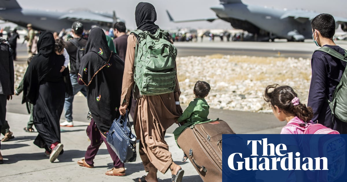 Thursday briefing: Kabul airport terror warning