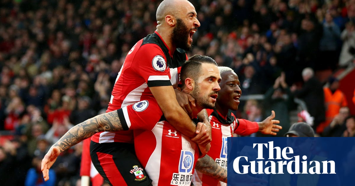 Southampton's Danny Ings sinks Tottenham and Harry Kane limps off