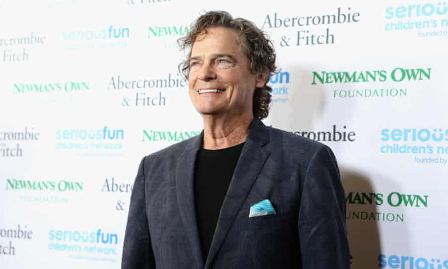 Singer BJ Thomas died on Saturday at his home in Arlington, Texas, his publicist said.