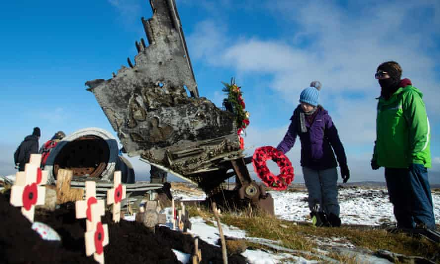 Freya Kirkpatrick lays a wreath on the wreckage of the US plane at Higher Shelf Stones in the Peak District, which crashed in 1948 killing all 13 men on board.