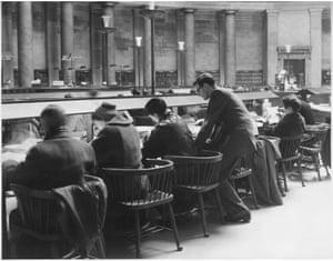 'Some students were sitting on the bases of pillars' — overcrowding in the Great Hall of Manchester Central Library, 5 March 1958.GNM Archive ref: GUA/6/9/1/4/M box 4