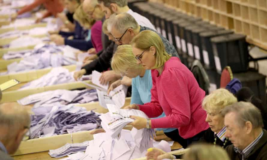The count gets under way at Nemo Rangers GAA club in Cork.