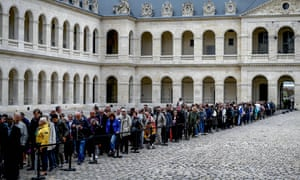 Members of the public queued on Sunday to say farewell to Chirac as his coffin lay in state at the Saint-Louis-des-Invalides cathedral.