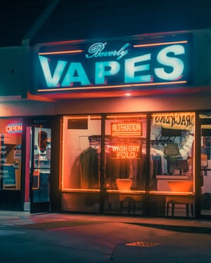 Beverly Vapes  in Los Angeles by photographer Franck Bohbot.