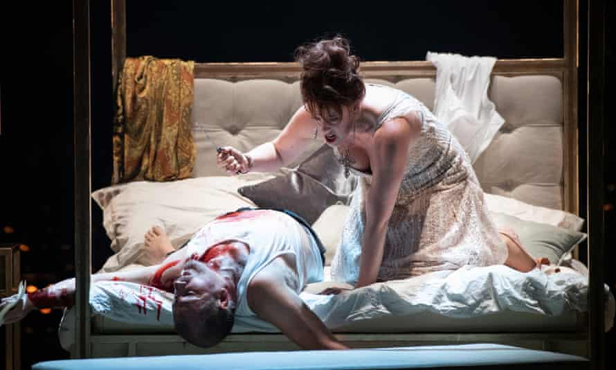 Intense and exciting … Robert Hayward as Scarpia and Giselle Allen as Tosca in Opera North's production of Tosca.