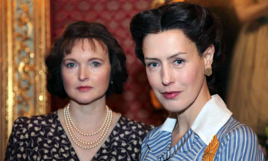Royal Wives at War: Queen Elizabeth (Emma Davies) and Wallis Simpson (Gina McKee).
