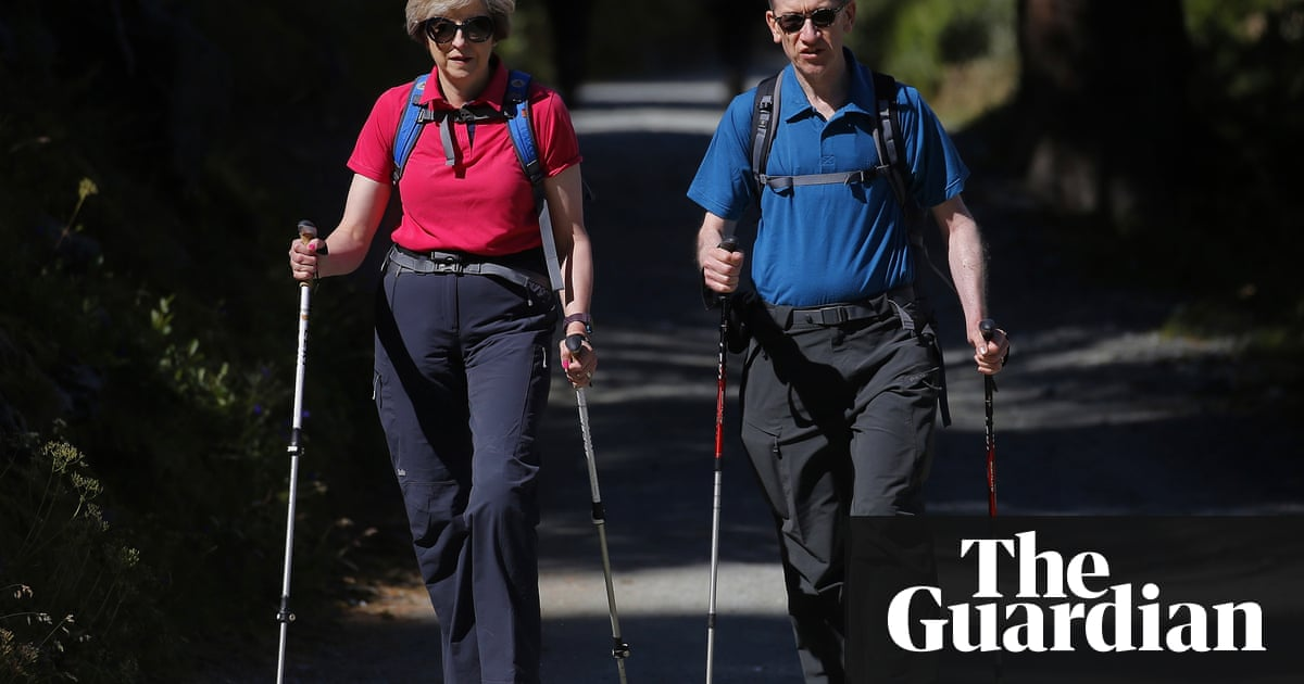 People not getting enough exercise from long strolls- report