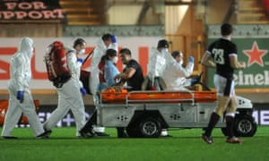 Justin Tipuric gets off on a motorized stretcher