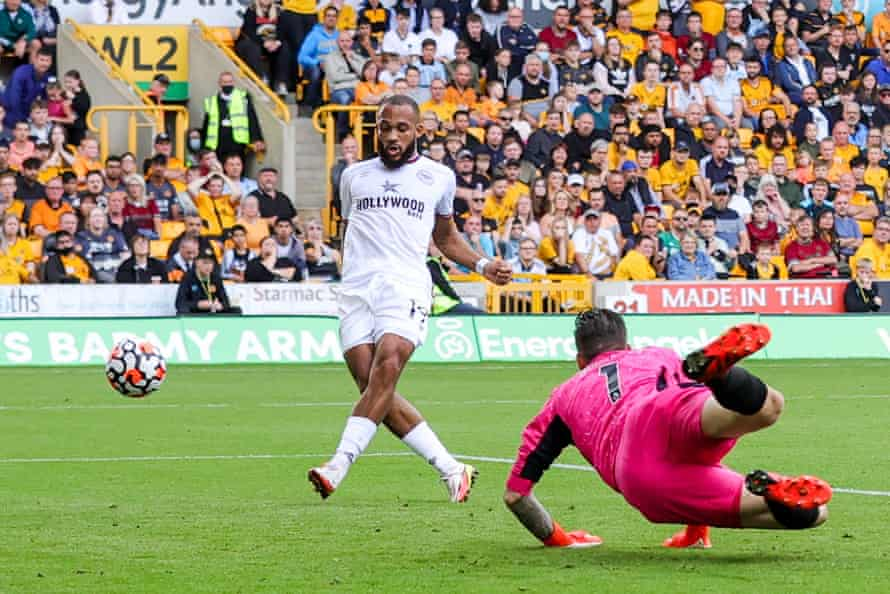 Bryan Mbeumo scores the second Brentford goal.