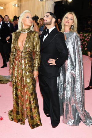 Rita Ora and Kate Moss with Marc Jacobs, who designed both gowns