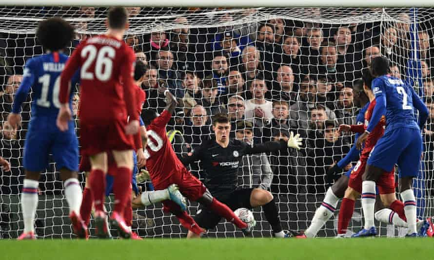 Kepa Arrizabalaga saved a series of shots, including this save from Liverpool's Senegalese striker Sadio Mané.