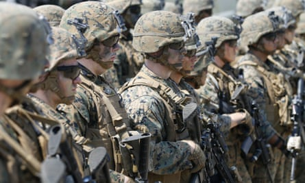 US Marines form a line