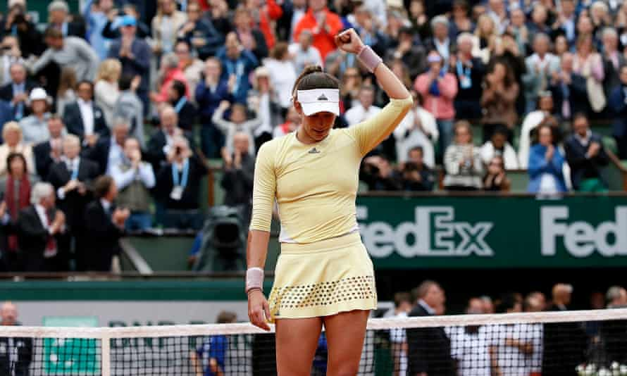 Garbiñe Muguruza celebrates her victory over Serena Williams in the final of the French Open in 2016.