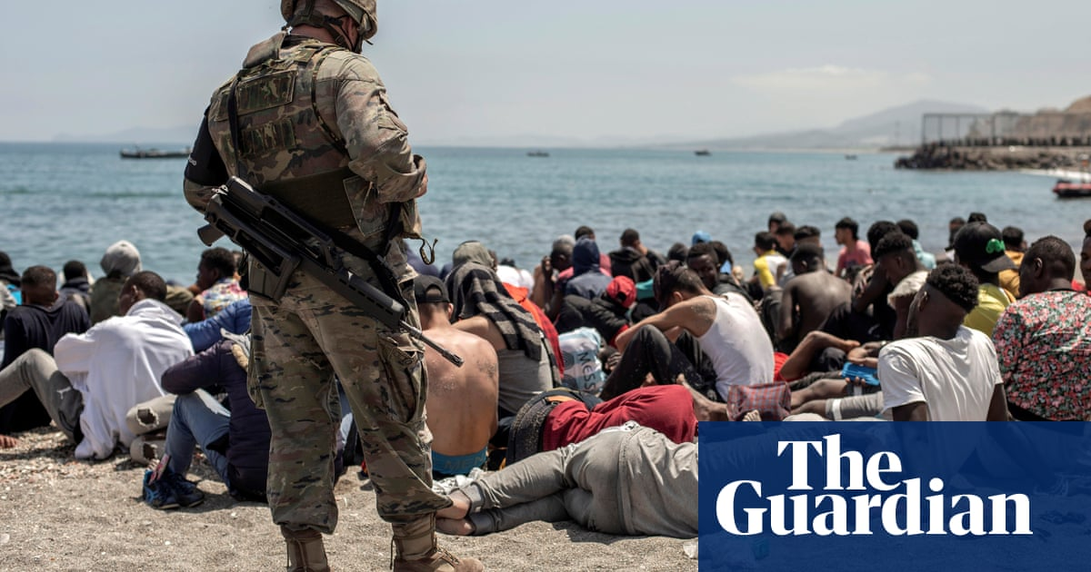 Spanish PM vows to 'restore order' after 8,000 migrants reach Ceuta