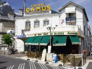 A cafe in Cognac.