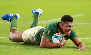 Damian Willemse of South Africa scores his team's ninth try.