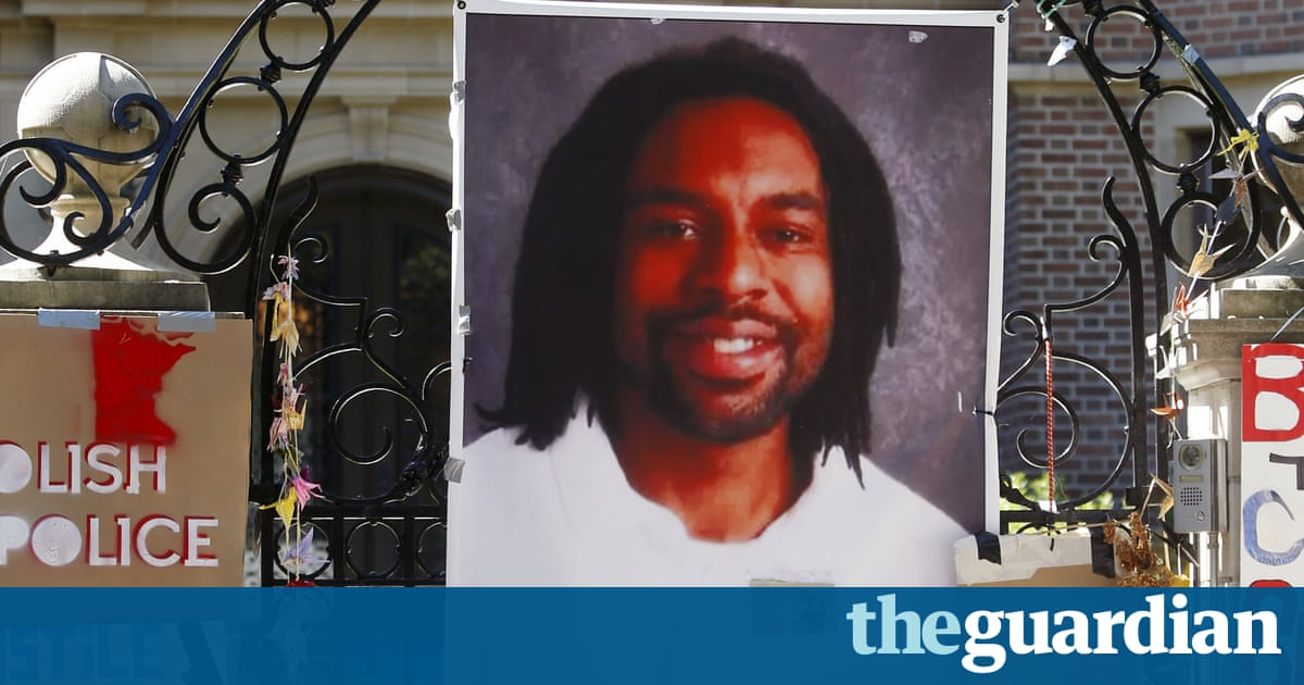 18154036caad charlotteobserver.com Police officer who shot Philando Castile  did what he  had to do