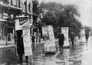 Berlin 'living advertising pillar' campaign for the German People's Party, June 1920