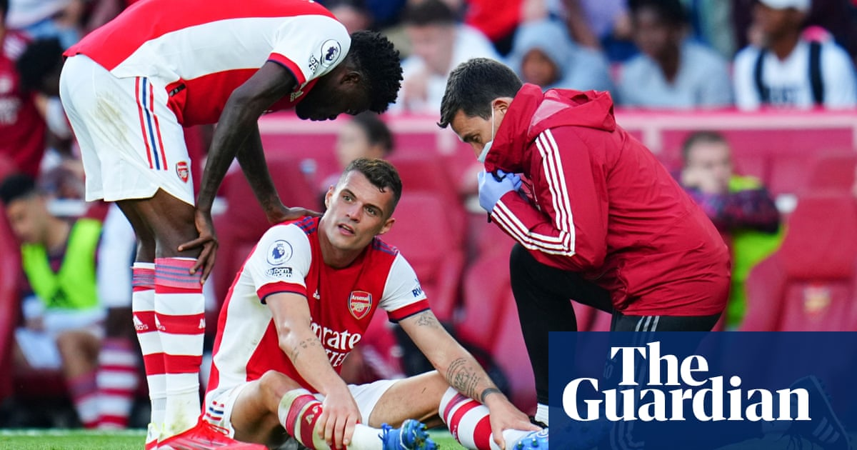 Arsenal's Granit Xhaka facing three months out with knee ligament injury