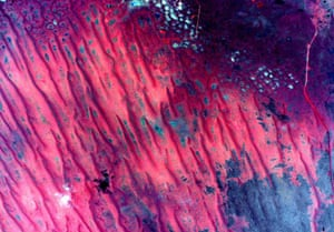 A photo from space of the Australian continent. Image tweeted by the astronaut Scott Kelly.