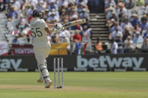 Stokes pulls a shot to the boundary for four.