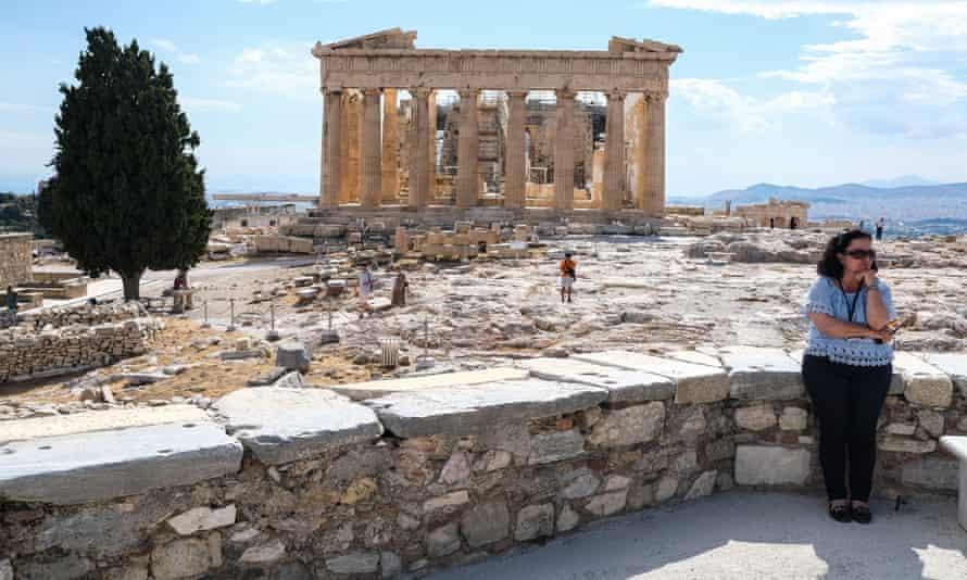 Κυβέρνηση 19: Η Ελλάδα απομονώνει όλους τους επιβάτες από την πτήση του Κατάρ |  Ελλάδα