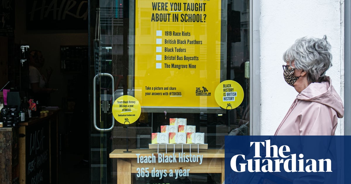 Schools minister rebuffs calls to decolonise English curriculum