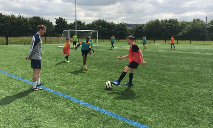 Ben Bartlett coaching a session at an FA DNA event in Reading