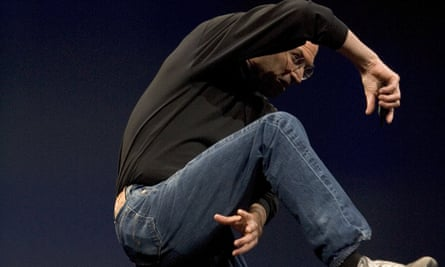 Steve Jobs unveils the Apple iPhone in 2007.