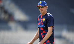 Wayne Bennett, whose contract with the RFL has run out after the loss to PNG, wants to stay on for the 2021 World Cup with England.