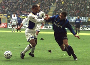 Zé Maria tussles with Ronaldo while the pair played in Italy, for Parma and Inter, respectively.