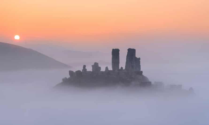 A 'woman in white', is said to stalk the battlements at Corfe Castle in Dorset.