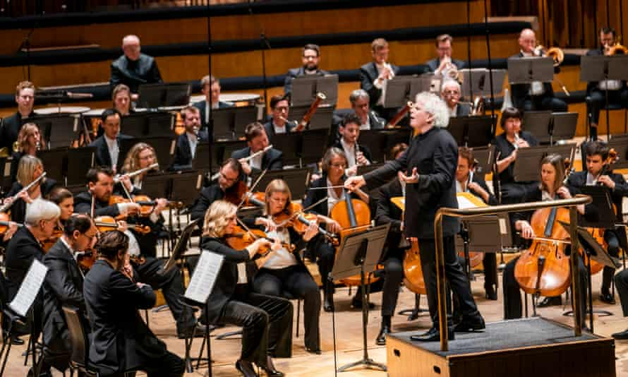 Sir Simon Rattle conducting the London Symphony Orchestra at Barbican Hall in 2020.