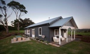 Kelly Cottage, a beautiful three bedroom cottage built in 1922, was moved in 2016 from its original site in Kiama to a small working farm over looking the stunning Jamberoo valley.