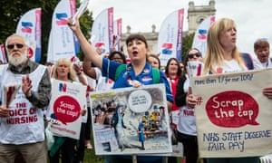 Nurses protest against the public sector pay cap